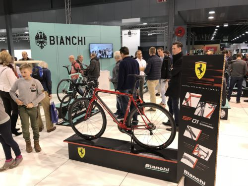 modulaire-beursstand-velofollies-bianchi-bike-motion-frameworks