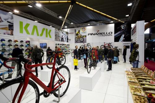 velofollies-2019-kortrijk-xpo-carbon-bikes-beursstand