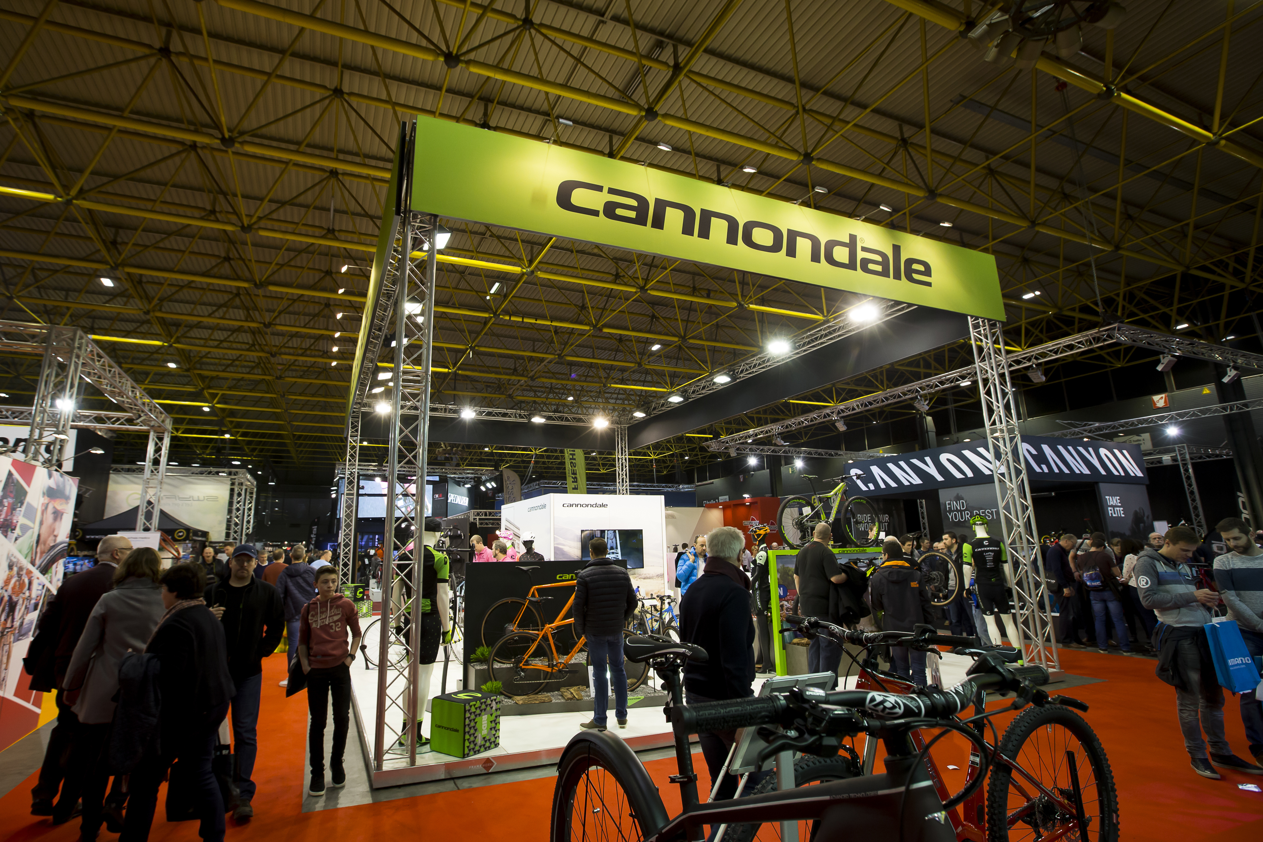 velofollies-modulaire-standenbouw-frameworks-cannondale